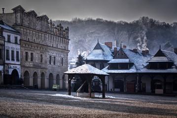 Zimą rynek w Kazimierzu Dolnym