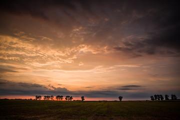 wschód słońca późnym latem
