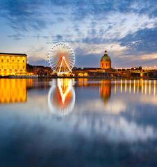 Fototapete - Landmark scene of Toulouse, France