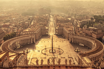 Fototapete - Aerial view of St Peter's square in Vatican, Rome Italy