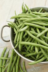 preparing fine green beans