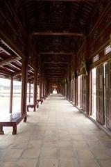 Offener Gang im Kaiserpalast Hue, Vietnam
