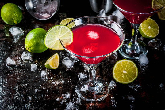 Red cosmopolitan cocktail with lime