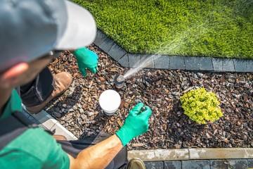 Fototapeta Adjusting Lawn Sprinkler obraz