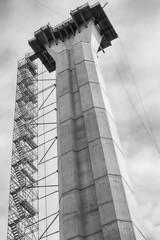 Brückenbau - Brückenpfeiler mit Gerüst