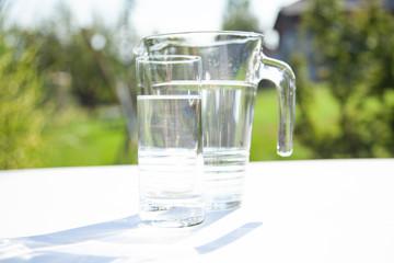 Wasserkrug, Wasserglas, Getränk