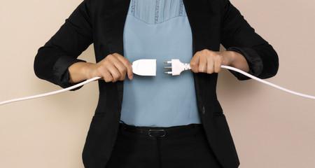 business donna collegare due cavi