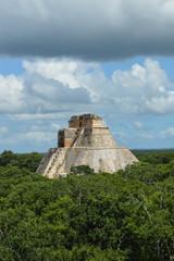 Maya-Stätte Uxmal; Pyramide des Zauberers; Mexiko