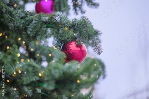 Christmas Ball Garlands.Christmas Tree With Decorations Christmas Balls Light