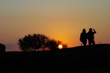 Силуеэт пары на закате