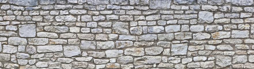 Rustikale Natursteinmauer