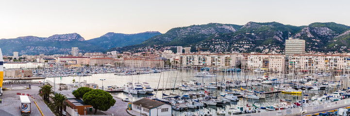 sunset on the harbor of Toulon Fototapete
