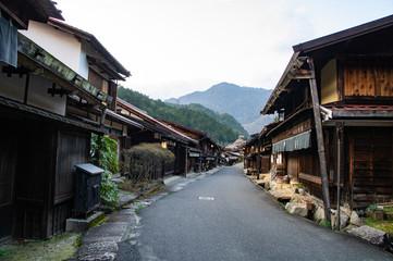 夕方の妻籠宿の風景(長野県、日本)
