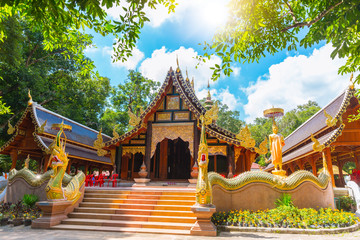 Papiers peints Edifice religieux wat rampoeng beautiful Thai temple art and culture travel landmark at Chiang mai Thailand