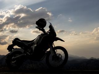 motosiklet tutkusu ve seyahat aracı