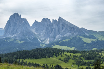 Poster Lichtroze View of a mountain landscape in the Dolomites