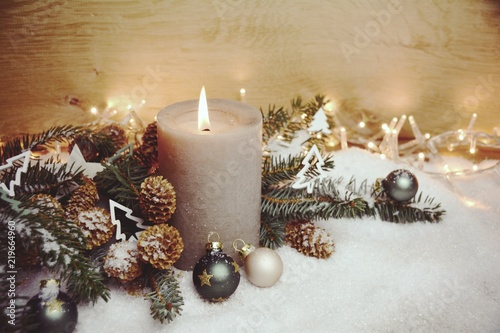 Weihnachtskarten Natur.Weihnachtskarte Adventskerze Natur Stock Photo And Royalty Free