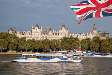 Fotomurales - Big Ben with bridge in London, England, UK