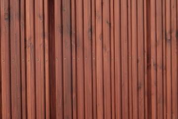 Traditionelles Holz Tor einer Garage