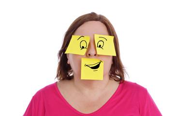 expression femme avec papiers bureaux pense-bêtes dessinés