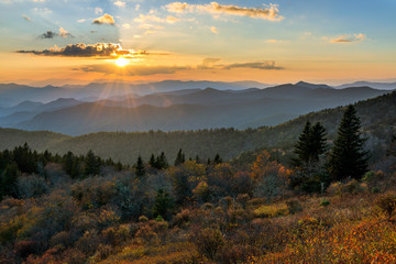 Tuinposter Bergen Blue Ridge Mountains scenic sunset