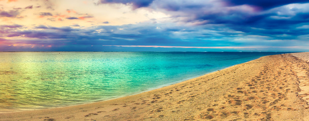 Fototapete - Seaview at sunset. Amazing landscape. Beautiful beach panorama