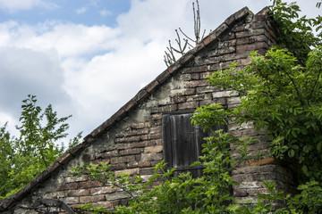Obraz Attic of an old brick house - fototapety do salonu