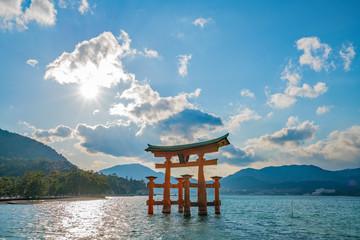厳島神社 (Itsukushima Shrine)