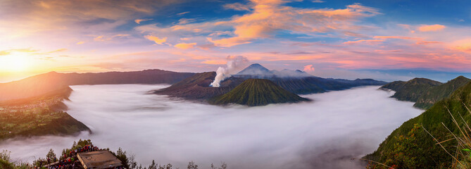 Fotobehang Indonesië Mount Bromo volcano (Gunung Bromo) during sunrise from viewpoint on Mount Penanjakan in Bromo Tengger Semeru National Park, East Java, Indonesia.