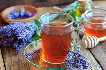 Lavendeltee mit Honig