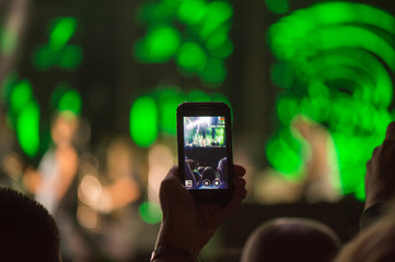 Video recording of the music concert on the smartphone
