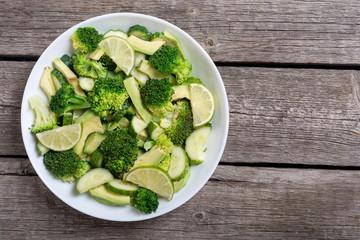 Green salad with avocado