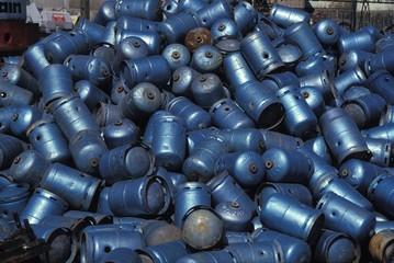 Gas cylinder (bonbonnes de gaz) waiting for recycling