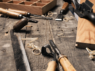 Old used carpenter tools