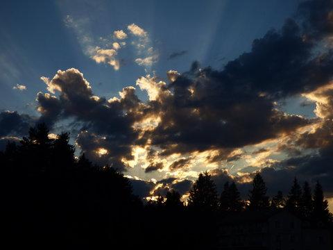 paysage coucher de soleil auvergne