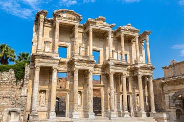 Fototapete - Celsius Library in Ephesus, Turkey