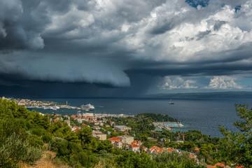 Marina w okolicach Splitu podczas burzy