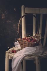 Kirschen in einem Korb