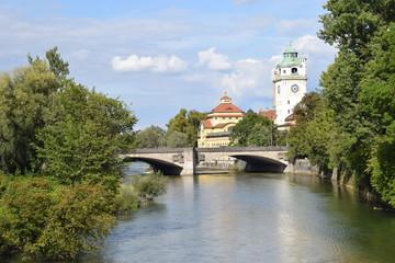 Isarufer in München