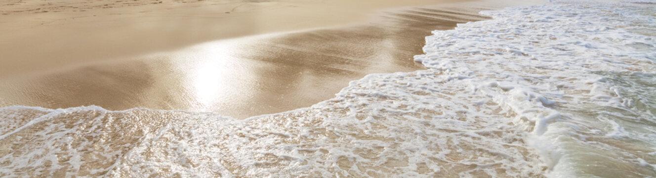 Beautiful shoreline at tropical sandy beach in Oahu island, Hawaii