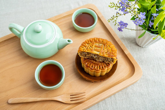 Mid-Autumn Festival Mooncake / Chinese Traditional Festival Food
