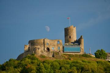 Burg mit Halbmond