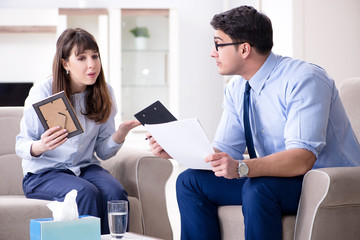 Young woman visiting male psychologist for unreciprocated love