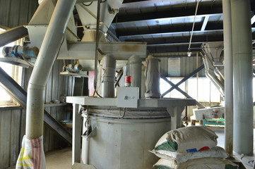 Feed factory machinery and equipment