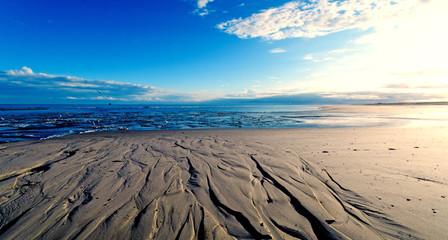 Wall Mural - Nordsee, Strand auf Langenoog: Dünen, Meer, Ebbe, Watt, Wanderung, Entspannung, Ruhe, Erholung, Ferien, Urlaub, Meditation :)
