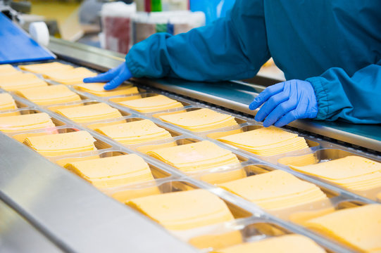 Industrial production of hard cheeses