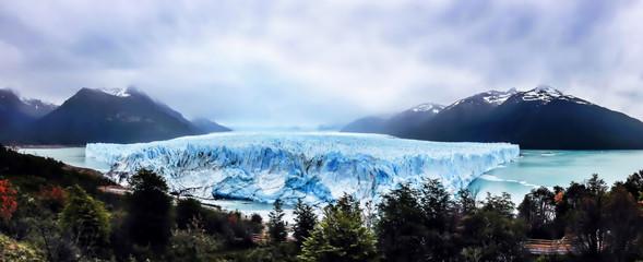 Wall Mural - Panorama view of  Perito Moreno Glacier, El Calafate, Argentina.