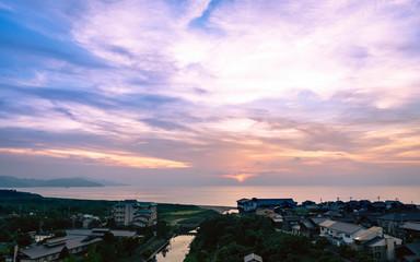 夕日ヶ浦に沈む夕日