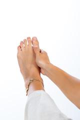 foot massage fingers fo acute pain
