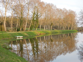 Fotobehang Kanaal Nantes à Brest canal, France